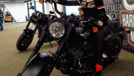 Harley Davidson в наушниках